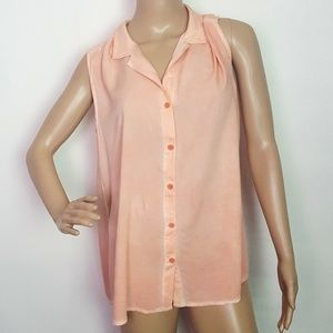 Beachlunchlounge  Split Back Button Down Top Large